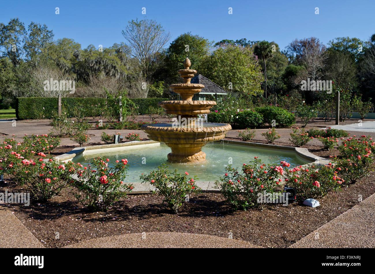 Fountain at the Harry P. Leu botanical gardens in Orlando, Florida ...
