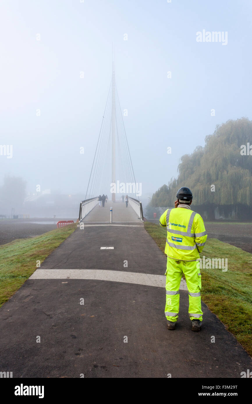balfour-beatty-engineer-on-path-to-foot-