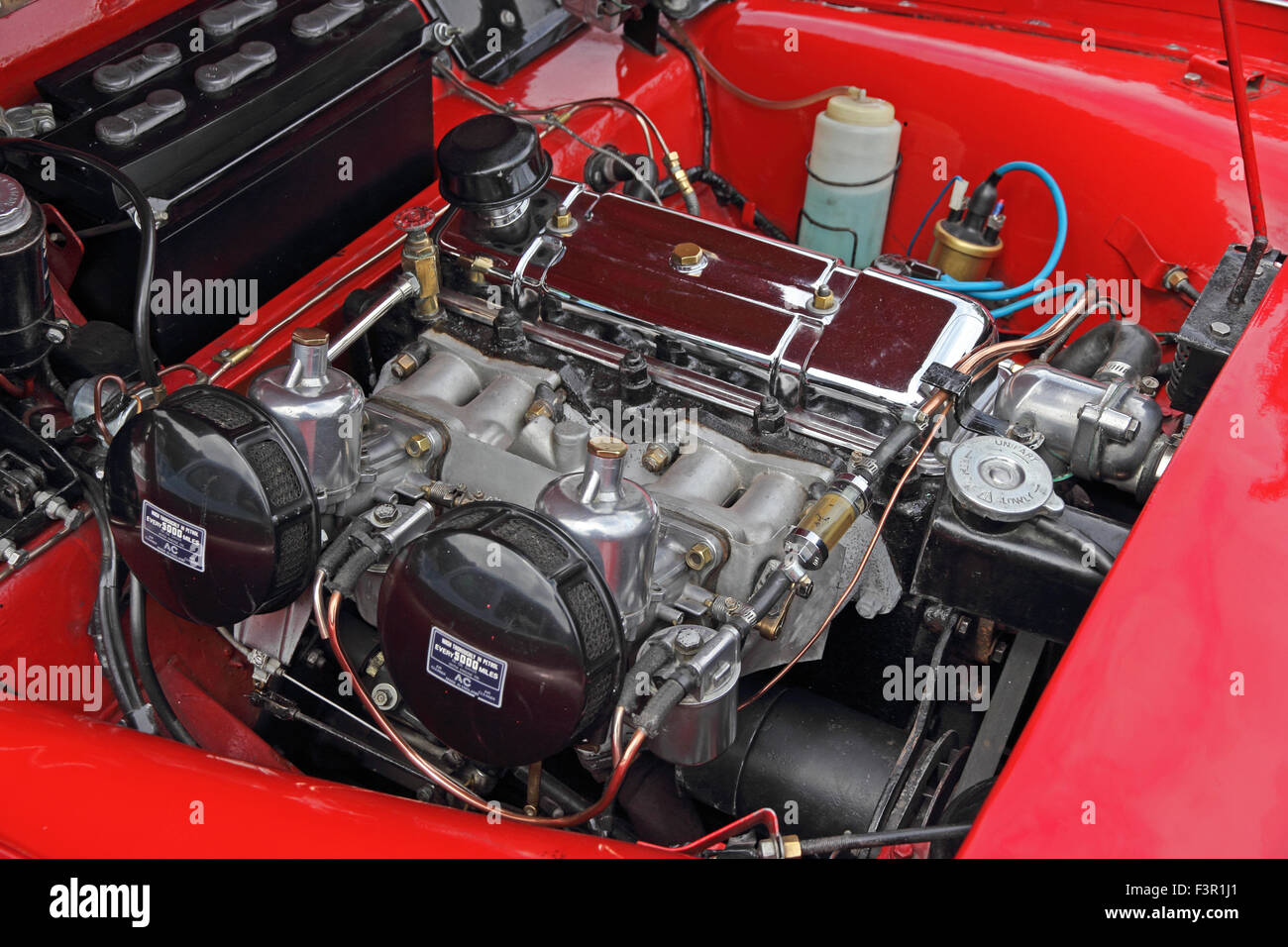 LN2n 1186 also Stock Photo Engine  partment Of Red 1962 Triumph Tr3 Sports Car 88401993 likewise Wiring Diagram For 1998 Oldsmobile Intrigue likewise Triumph Spitfire Mkii Wiring Diagram as well Triumph Tr4 Wiring Diagram. on tr4a wiring diagram