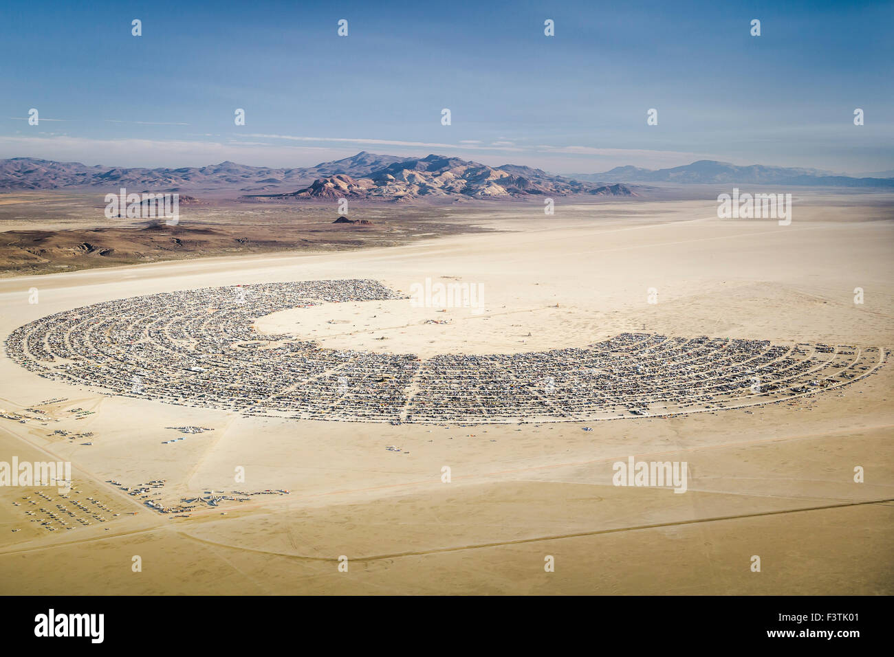 An aerial view of Black Rock City on the second day of Burning Man 2015. © Scott London/Alamy - Stock Image