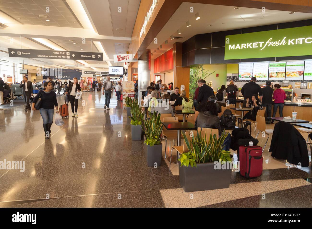 boston-logan-airport-interior-terminal-a-departure-lounge-logan-international-F4H5H7.jpg