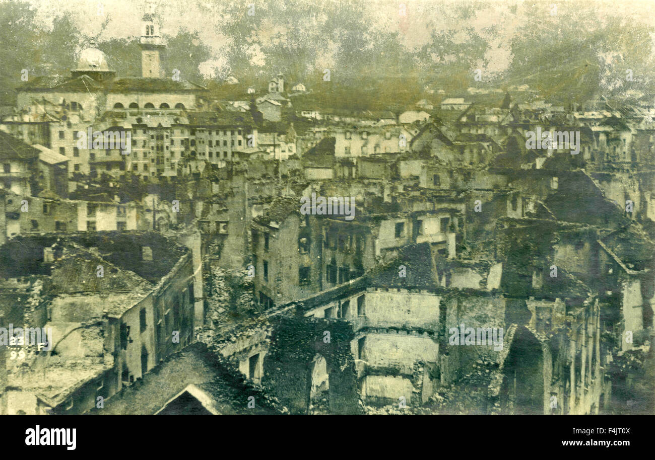 View of a city destroyed by bombing - Stock Image