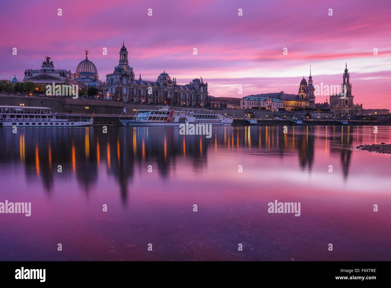 Sympathisch Skyline Dresden Das Beste Von Dresden, Germany, During Sunset