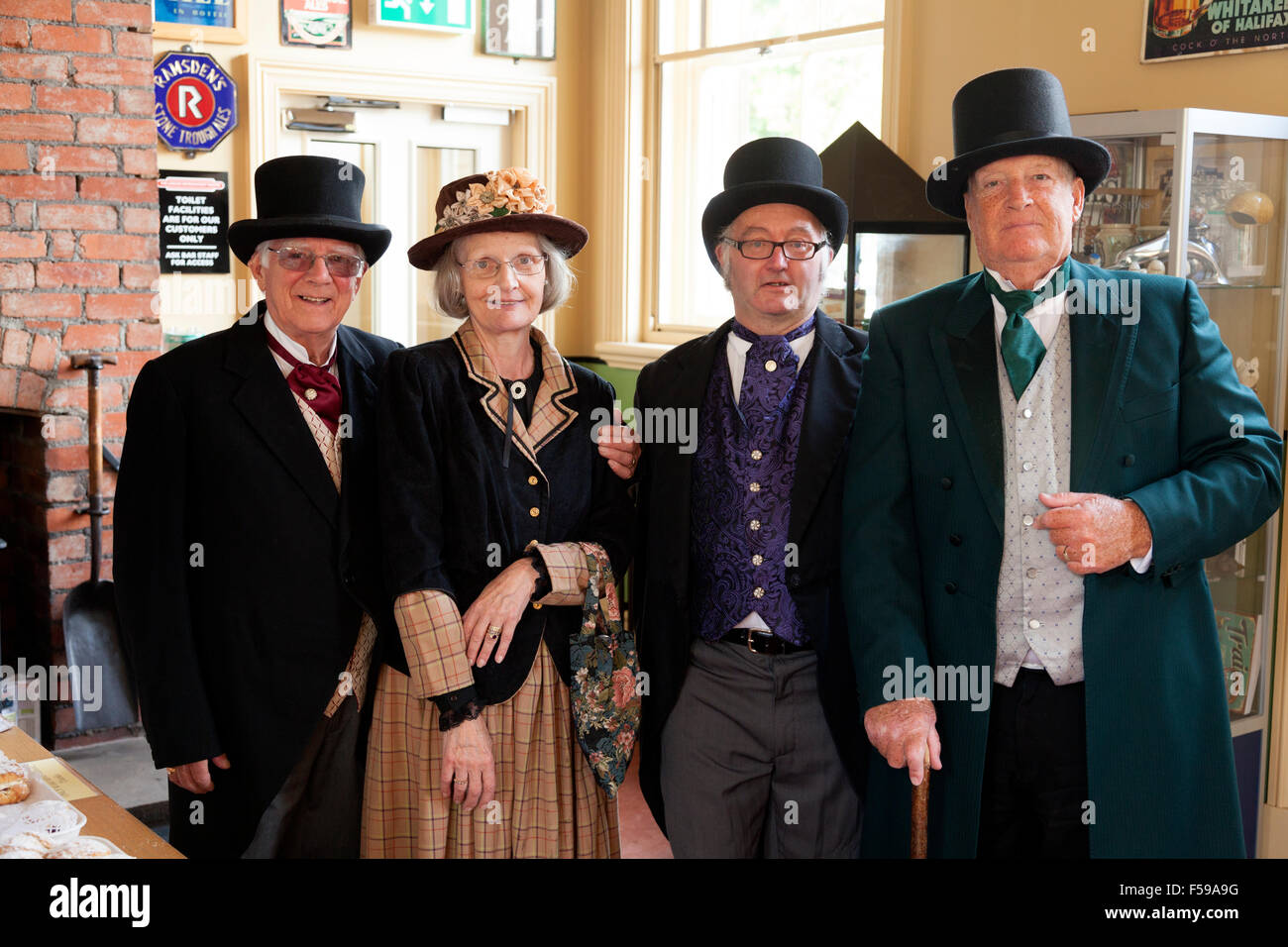 the-friends-of-sowerby-bridge-railway-station-celebrating-the-175th-F59A9G.jpg