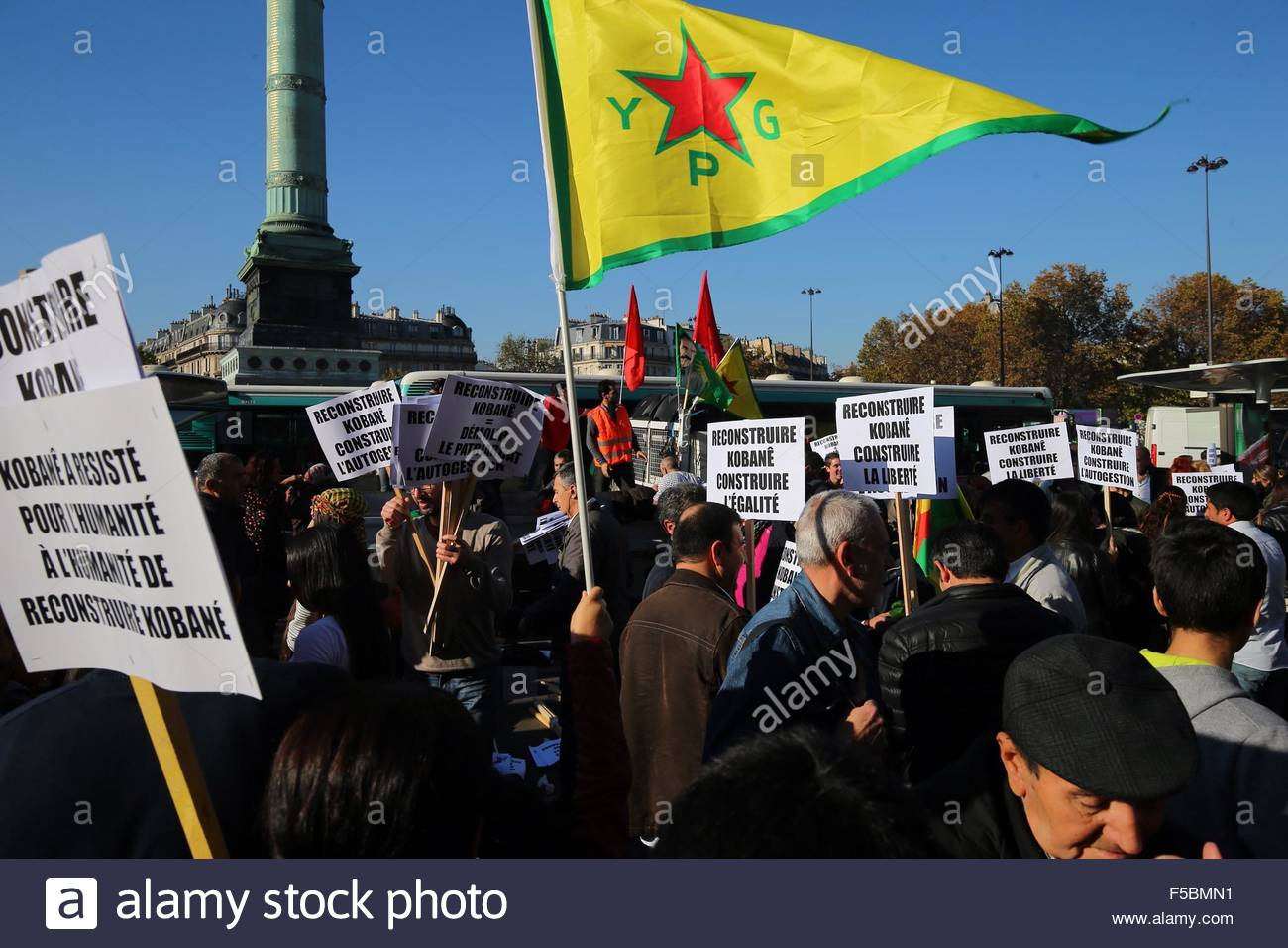 Paris, France. novembre 1st, 2015. FRANCE, Paris: People attend a pro kurdish demonstration in support of Kobane, Stock Photo