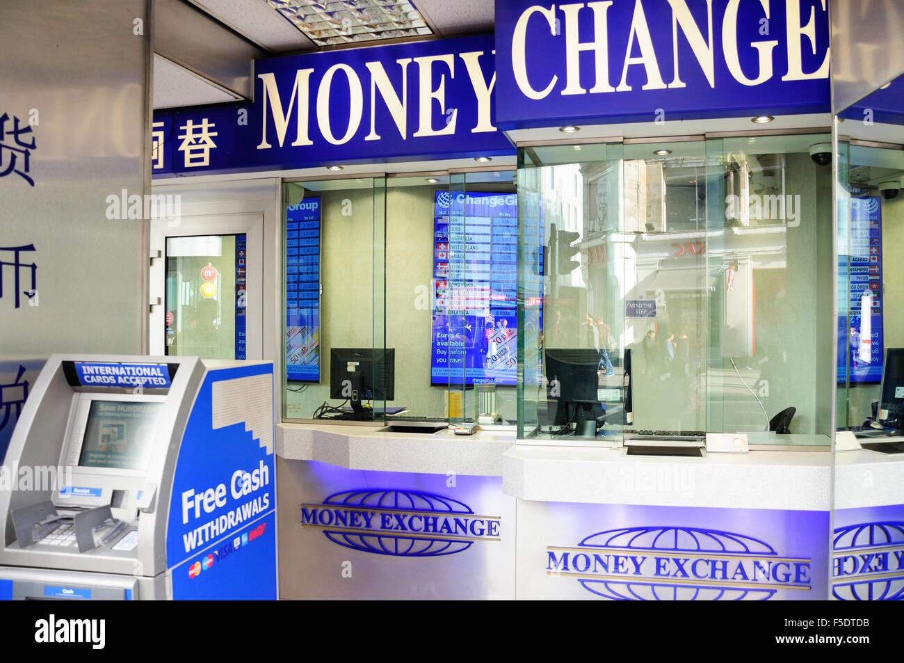 Changing Money Stock Photos Amp Changing Money Stock Images Alamy