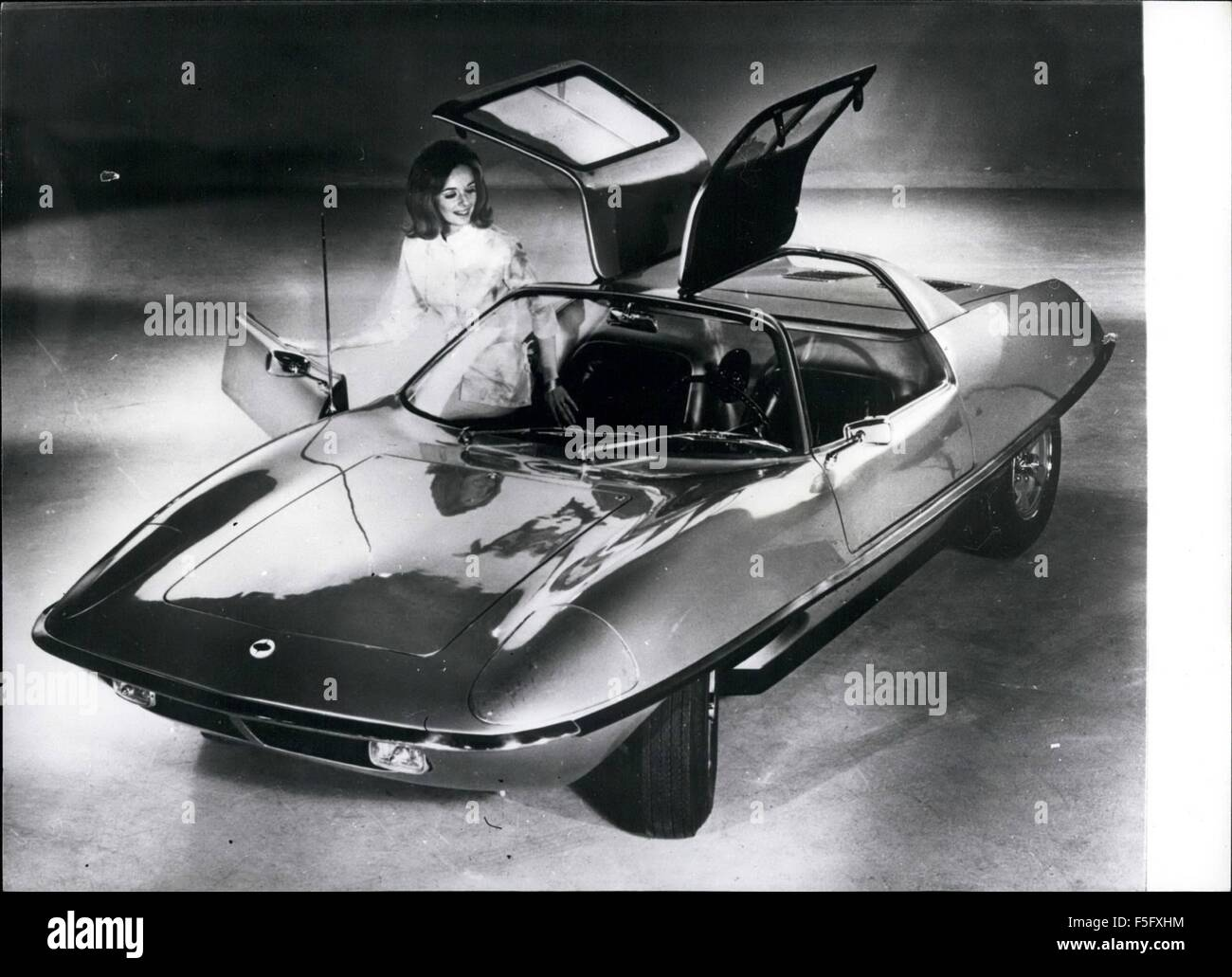 1968 - SUPER PLASTIC SPORTS CAR UNVEILED: A dynamic new sports car has made its debut in the U.S. Apart from its - Stock Image