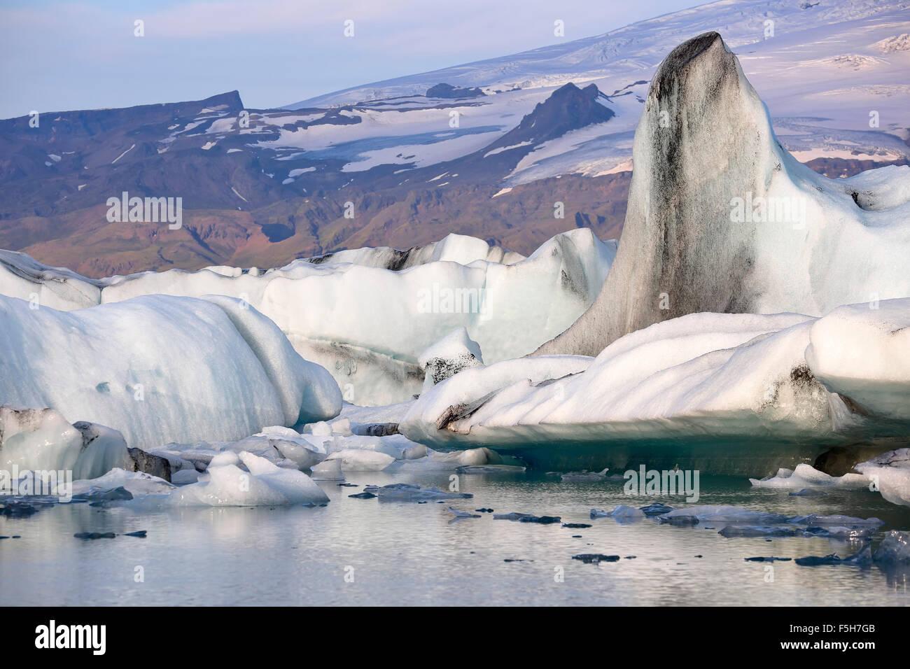 Icebergs, Jokulsarlon Glacier Lagoon, southern edge of Vatnajokull Glacier, Vatnajokull National Park, Iceland - Stock Image