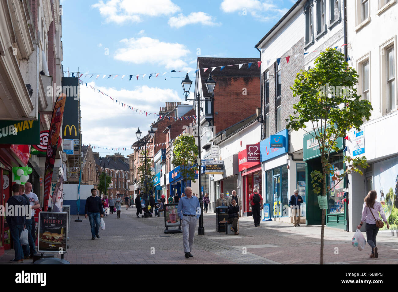 Pedestrianised Union Street, Aldershot, Hampshire, England, United Kingdom Stock Photo