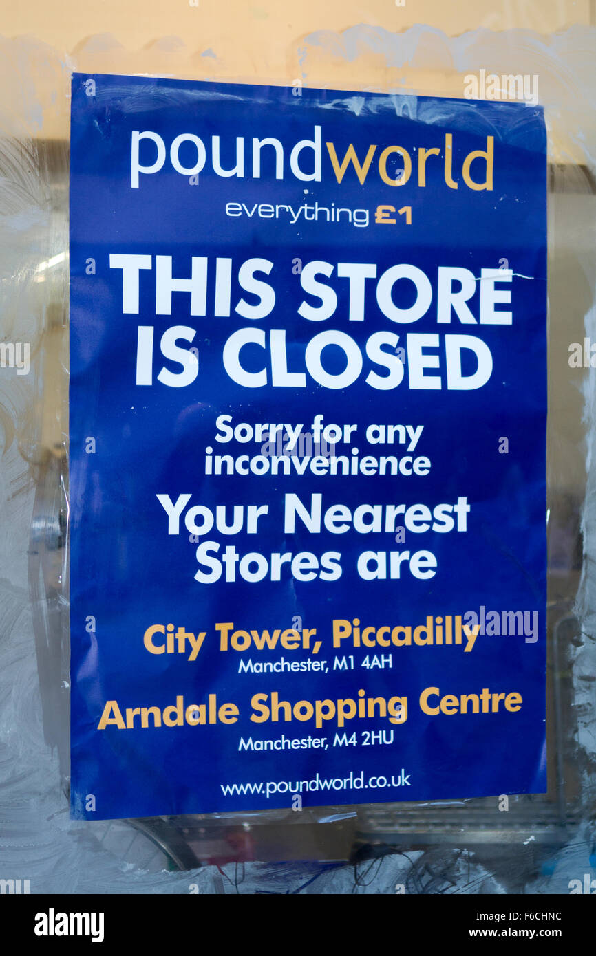 Closing down sign in pound world, high street shop window on Market St. Manchester city centre - Stock Image