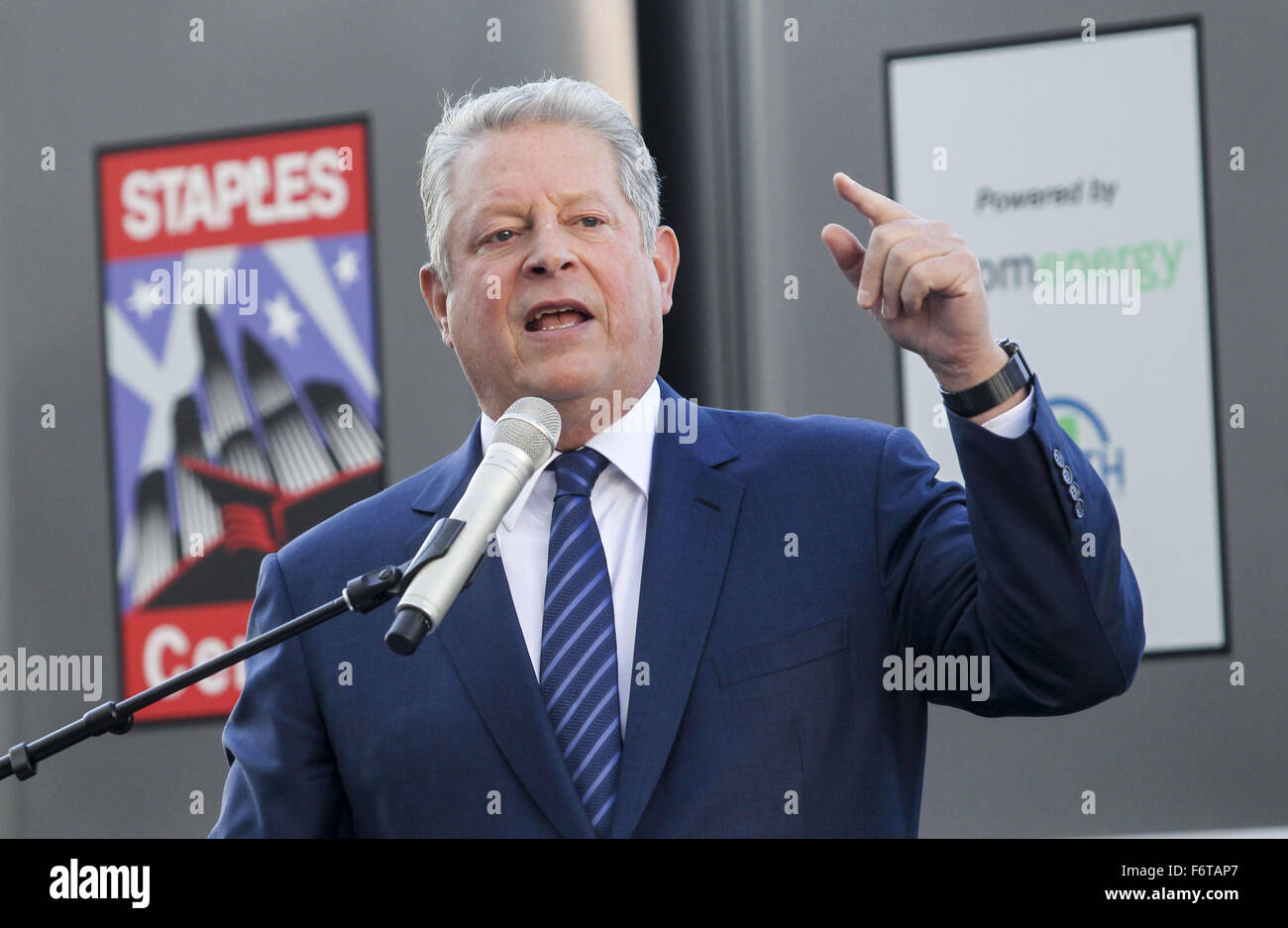 Los Angeles, California, USA. 19th Nov, 2015. Former Vice President Al Gore speaks during a ceremony to unveil and - Stock Image