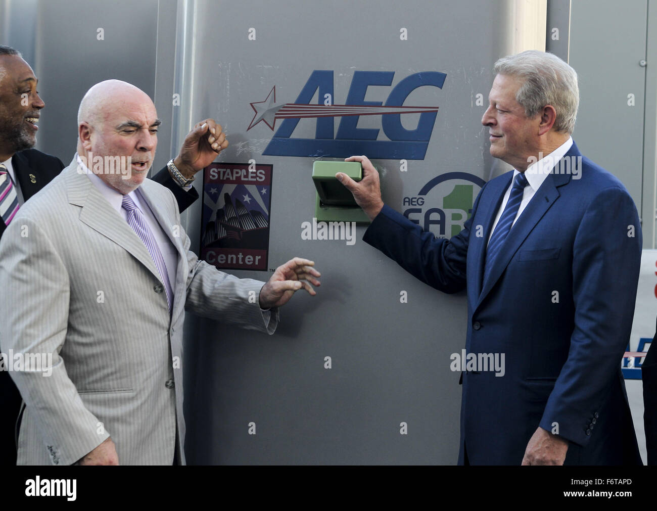 Los Angeles, California, USA. 19th Nov, 2015. Former Vice President Al Gore, right, and Staples Center & L.A. - Stock Image