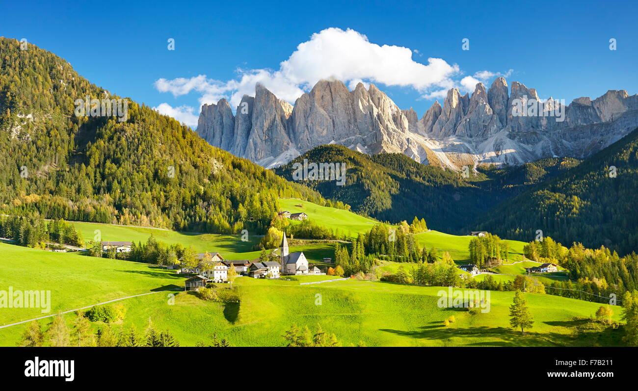 Santa Maddalena village in Dolomites Mountains, Puez Odle Nature Park, South Tyrol, European Alps, Italy - Stock Image