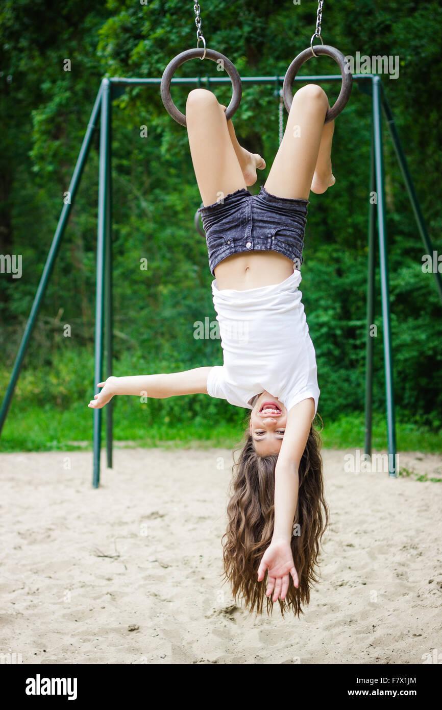 myvideo naked girl upside hang