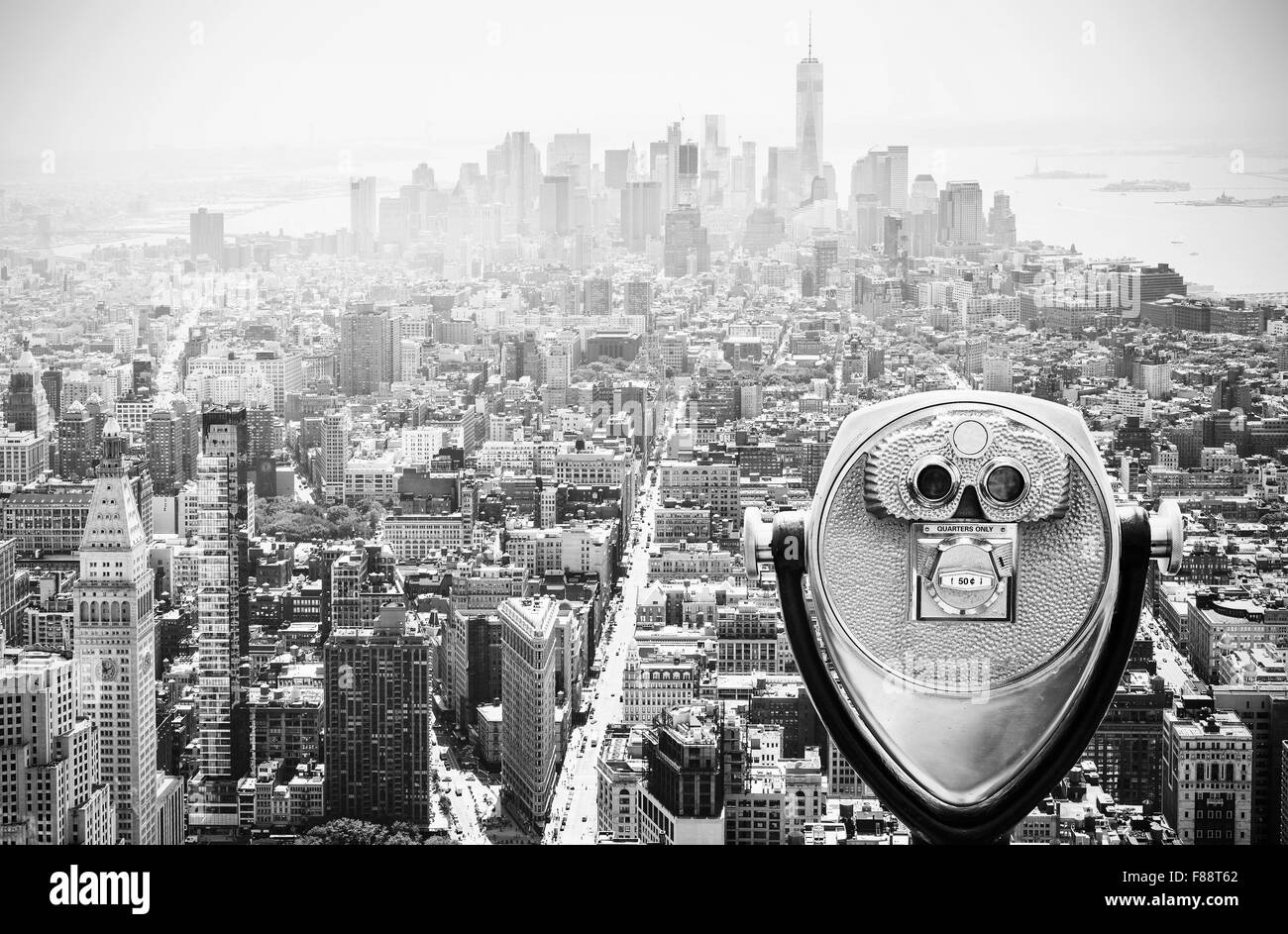 Binoculars over Manhattan Skyline, New York City, USA. - Stock Image