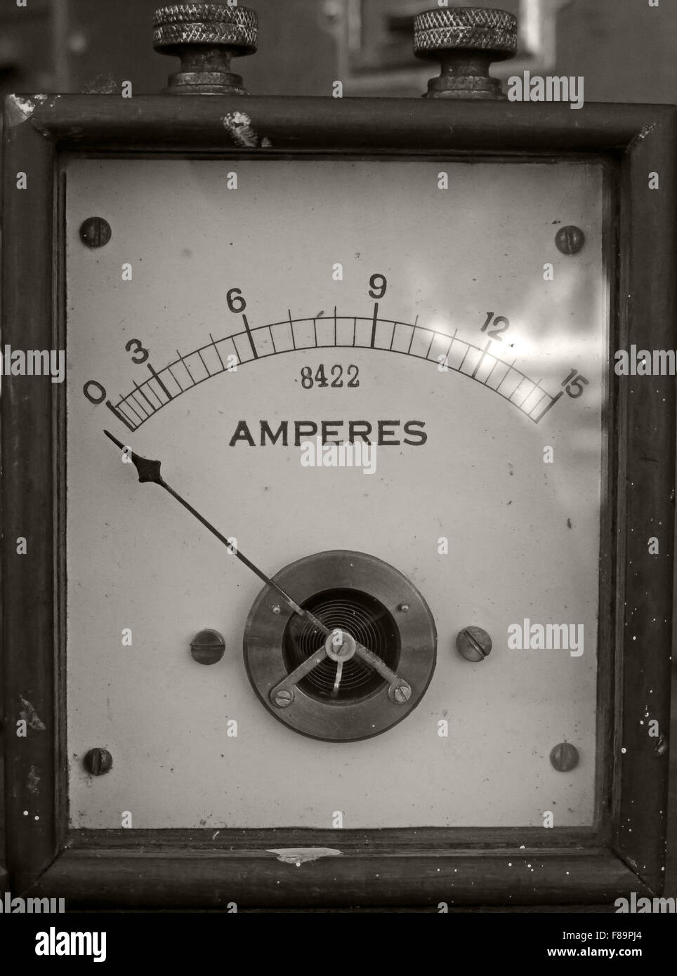 Vintage,antique,history,historic,simple,basic,old,power,classic,electric,electrical,electricity,ammeter,amp,ampere,amperes,amps,1900,1900s,1901,1902,1903,8422,wood,wooden,case,England,English,old,metre,British,GB,UK,industrial,industry,sepia,BW,Amp Meter,Great Britain,Black & White,GoTonySmith,Buy Pictures of,Buy Images Of,Black and White