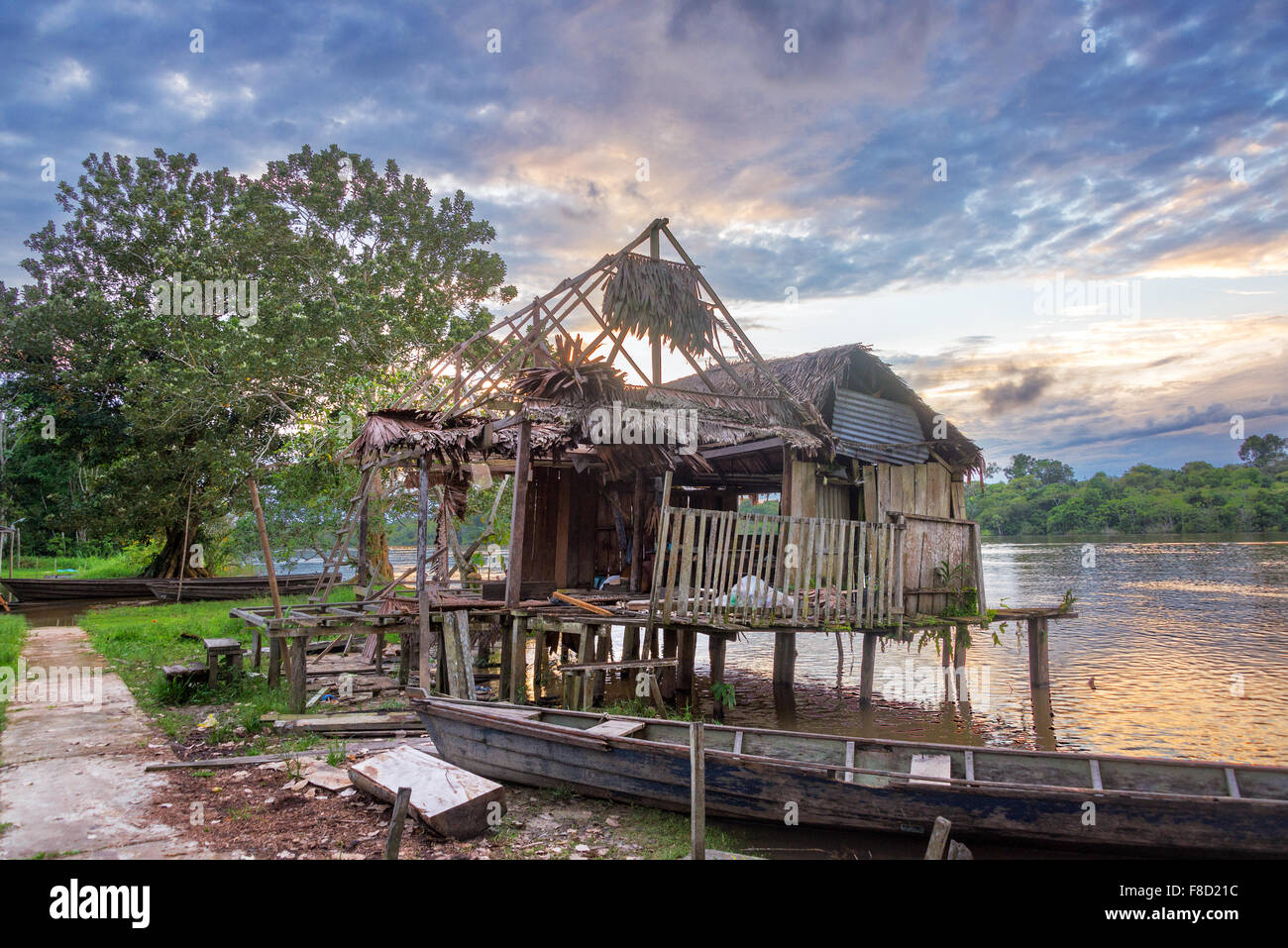Old run down shack on the Javari River in the Amazon rain forest in Stock Photo: 91256072 - Alamy