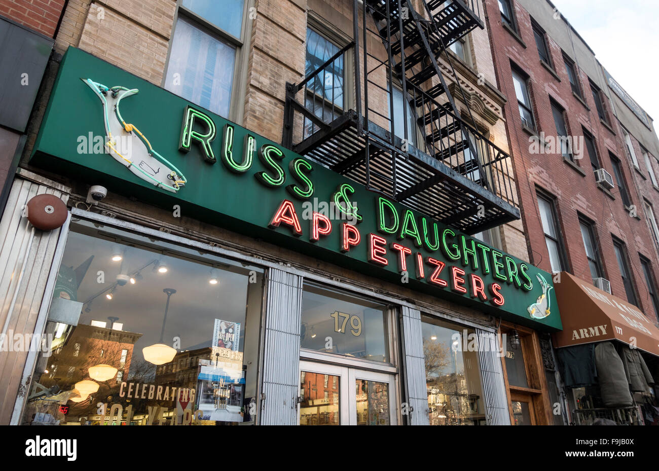 russ-and-daughters-appetizers-on-the-low