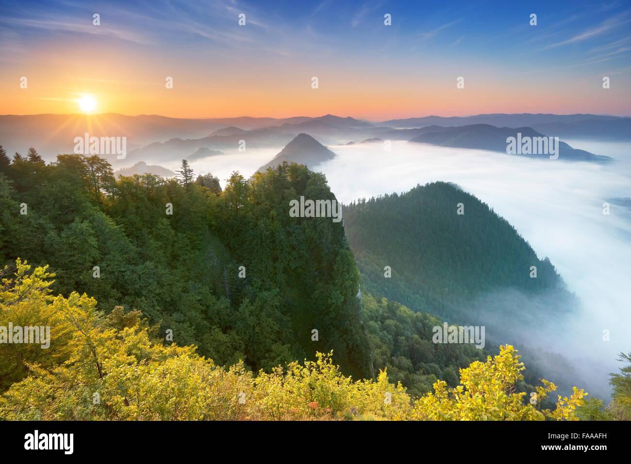 Pieniny Mountains, view from Trzy Korony Peak, Poland - Stock Image