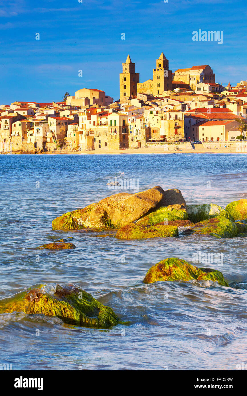 Old town and Cathedral, Duomo, Cefalu, Sicily, Italy - Stock Image