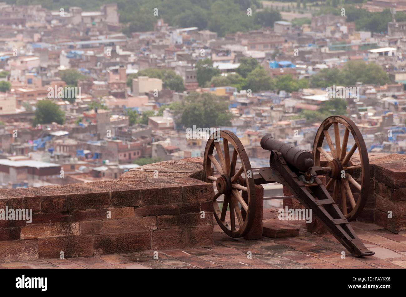 Old battle cannon at the Mehrangarh Fort, Jodhpur, India - Stock Image