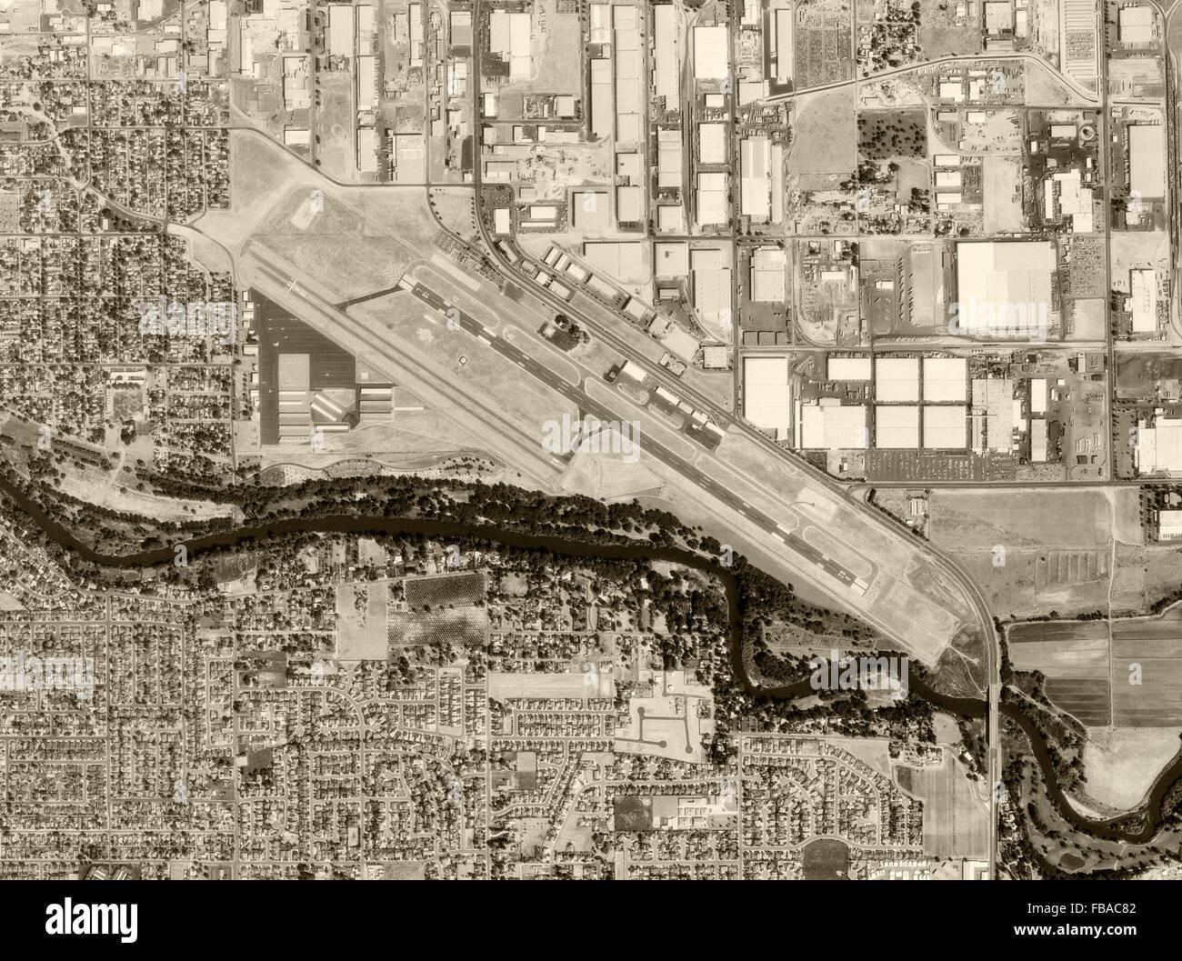 historical aerial photograph Modesto City–County Airport, Modesto, Stanislaus County, California, 1998 - Stock Image