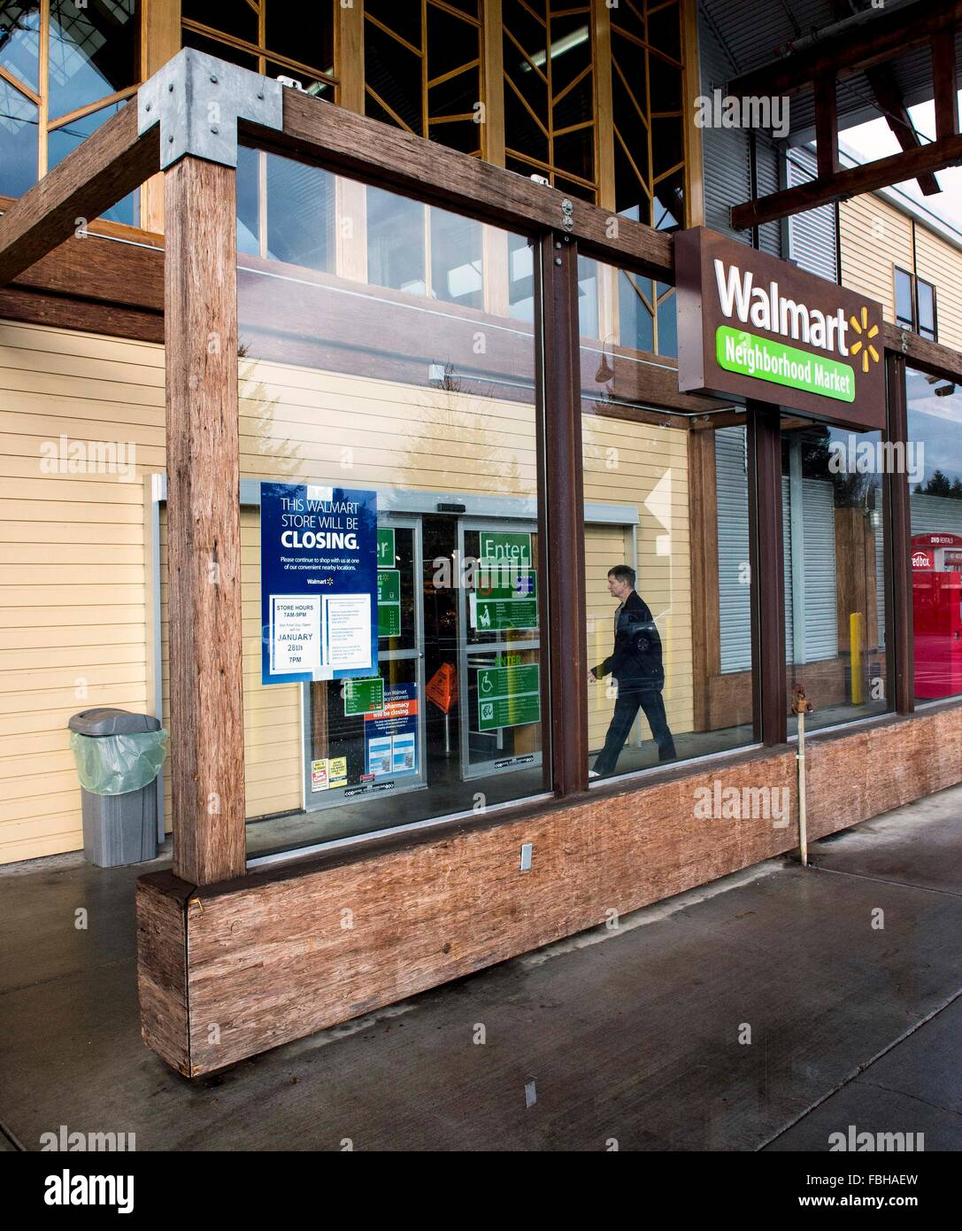 lake oswego oregon usa 16th jan 2016 in a restructuring plan retail giant walmart has announced that it is closing 269 stores globally