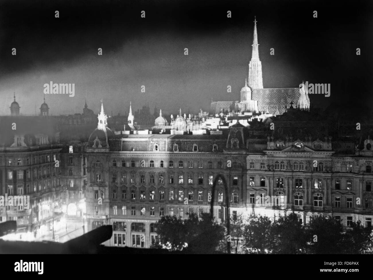 Night view of Vienna, 1937 Stock Photo