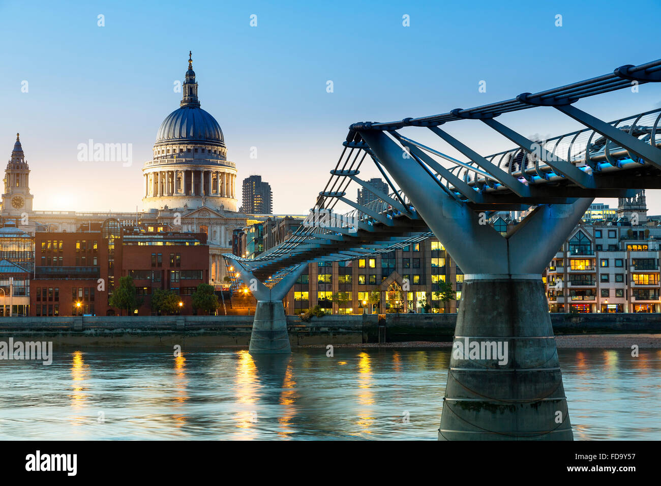 London millennium Footbridge at dusk - Stock Image