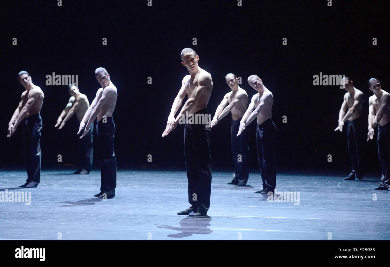 Stuttgart, Germany. 21st Jan, 2016. Dancers of the Stuttgart ballet ...