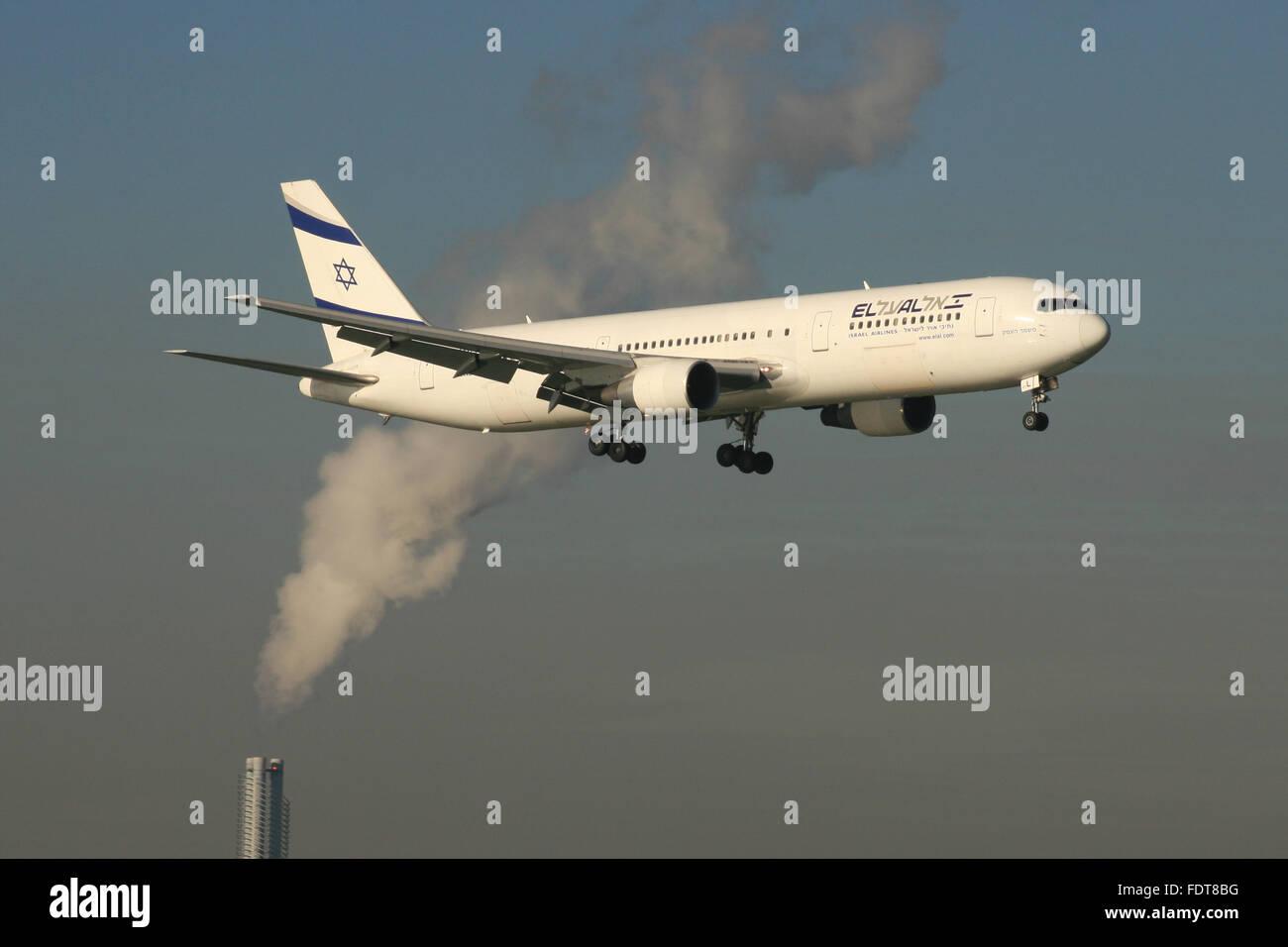 POLLUTION PLANE C02 - Stock Image