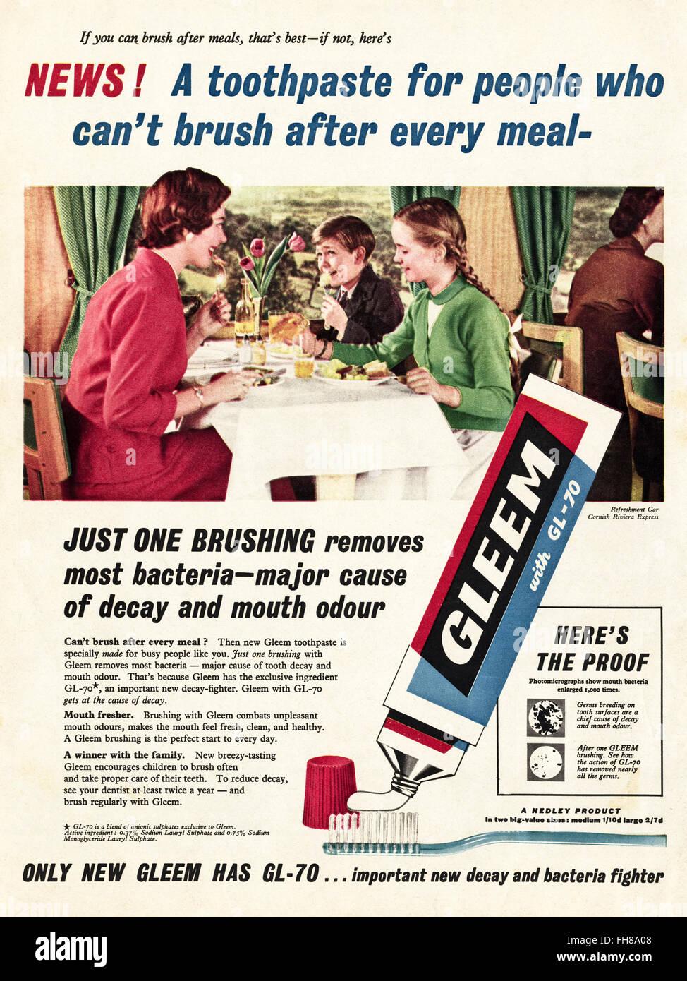 Original vintage advert from 1950s. Advertisement dated 1956 advertising Gleem toothpaste. 50s retro - Stock Image