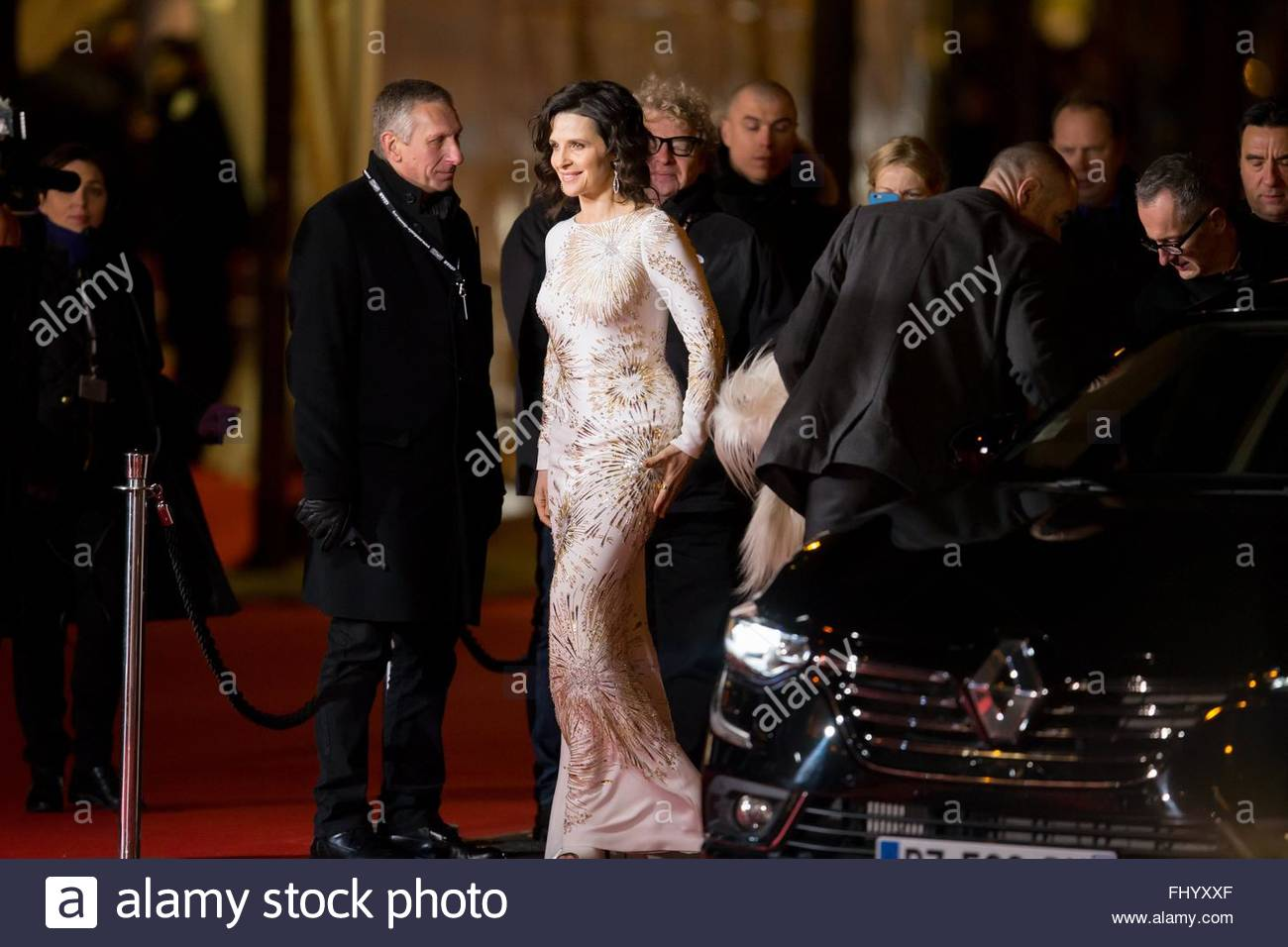 Paris, France. February 26th, 2016. FRANCE, Paris: French actress Juliette Binoche walks on the red carpet of the Stock Photo