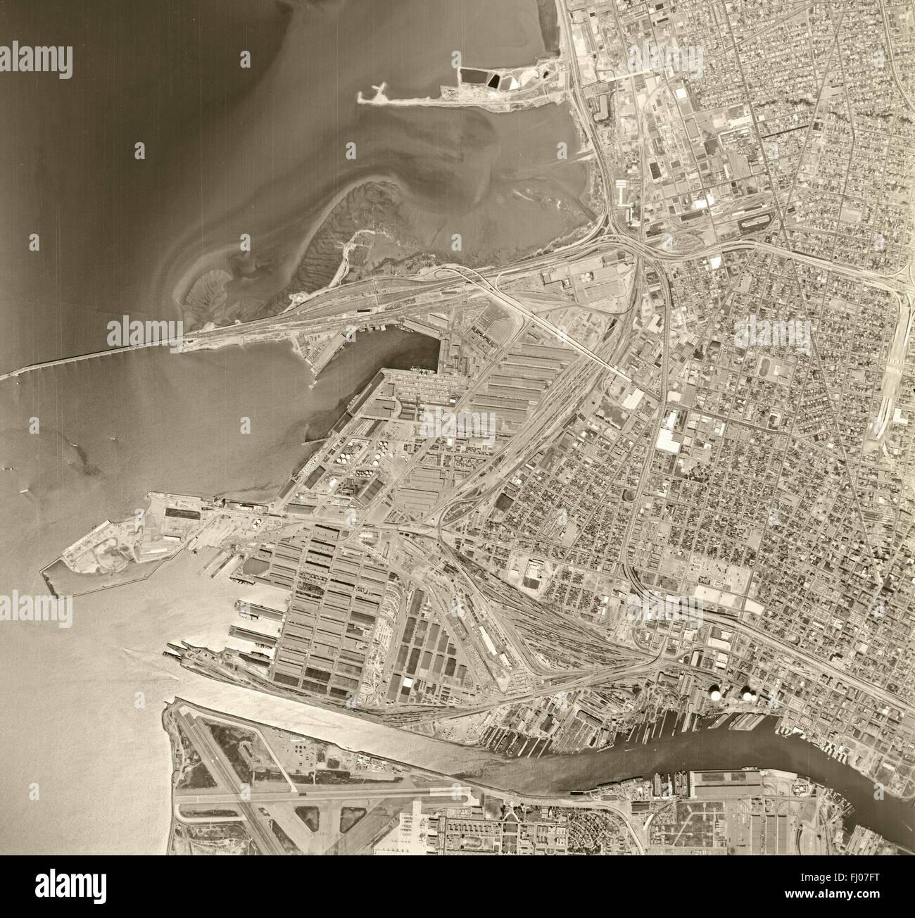 historical aerial photograph Oakland, California, 1968 - Stock Image
