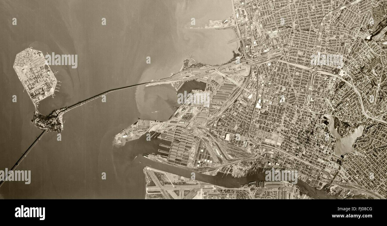 historical aerial photograph Oakland, California, 1970 - Stock Image