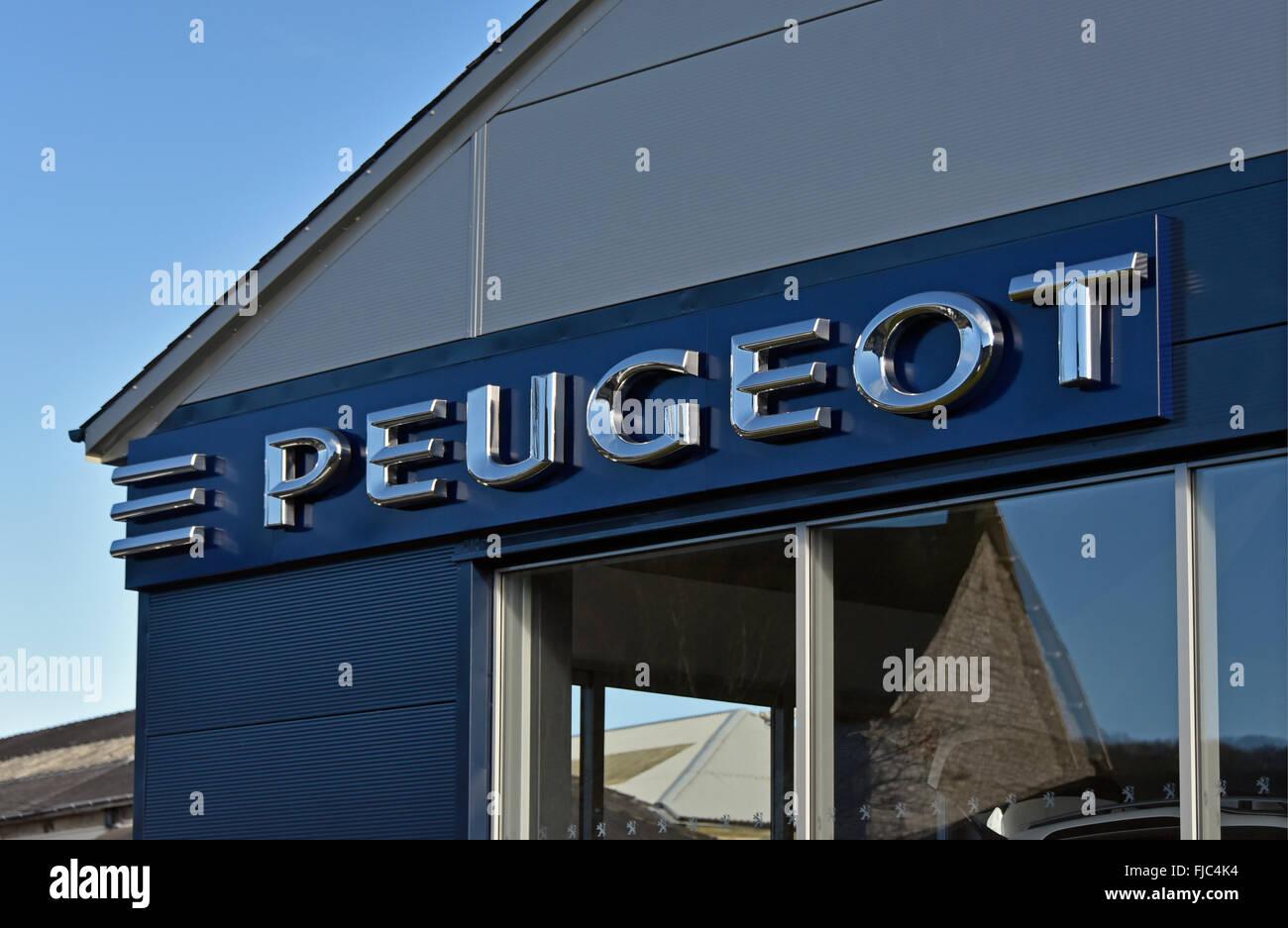 peugeot-car-dealership-FJC4K4.jpg