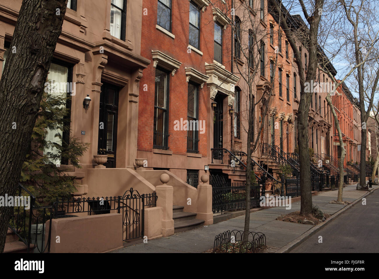 Historic brownstone townhouses on Garden Place in Brooklyn Heights ...