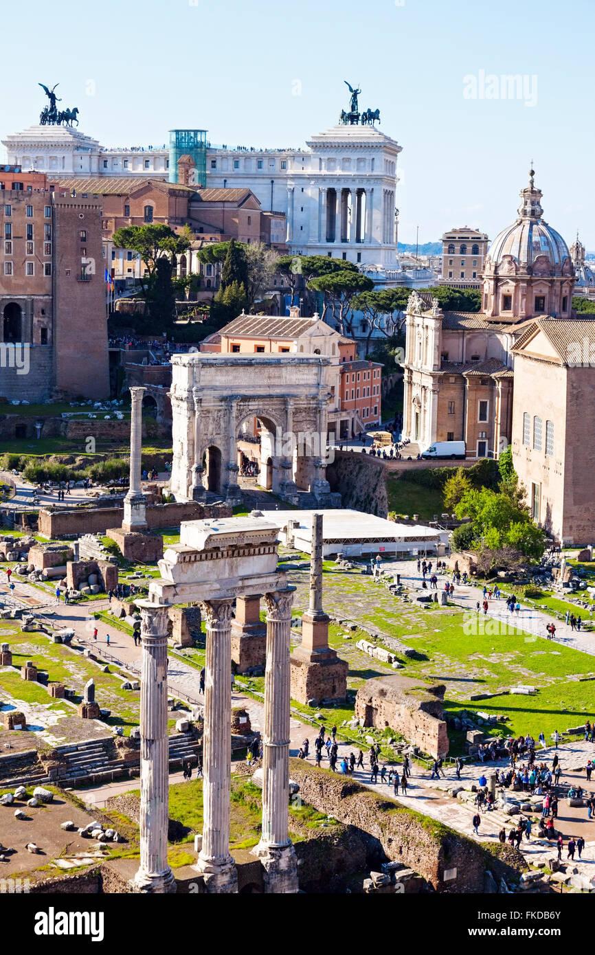 Roman Forum and Monument of Vittorio Emanuele II against sky - Stock Image