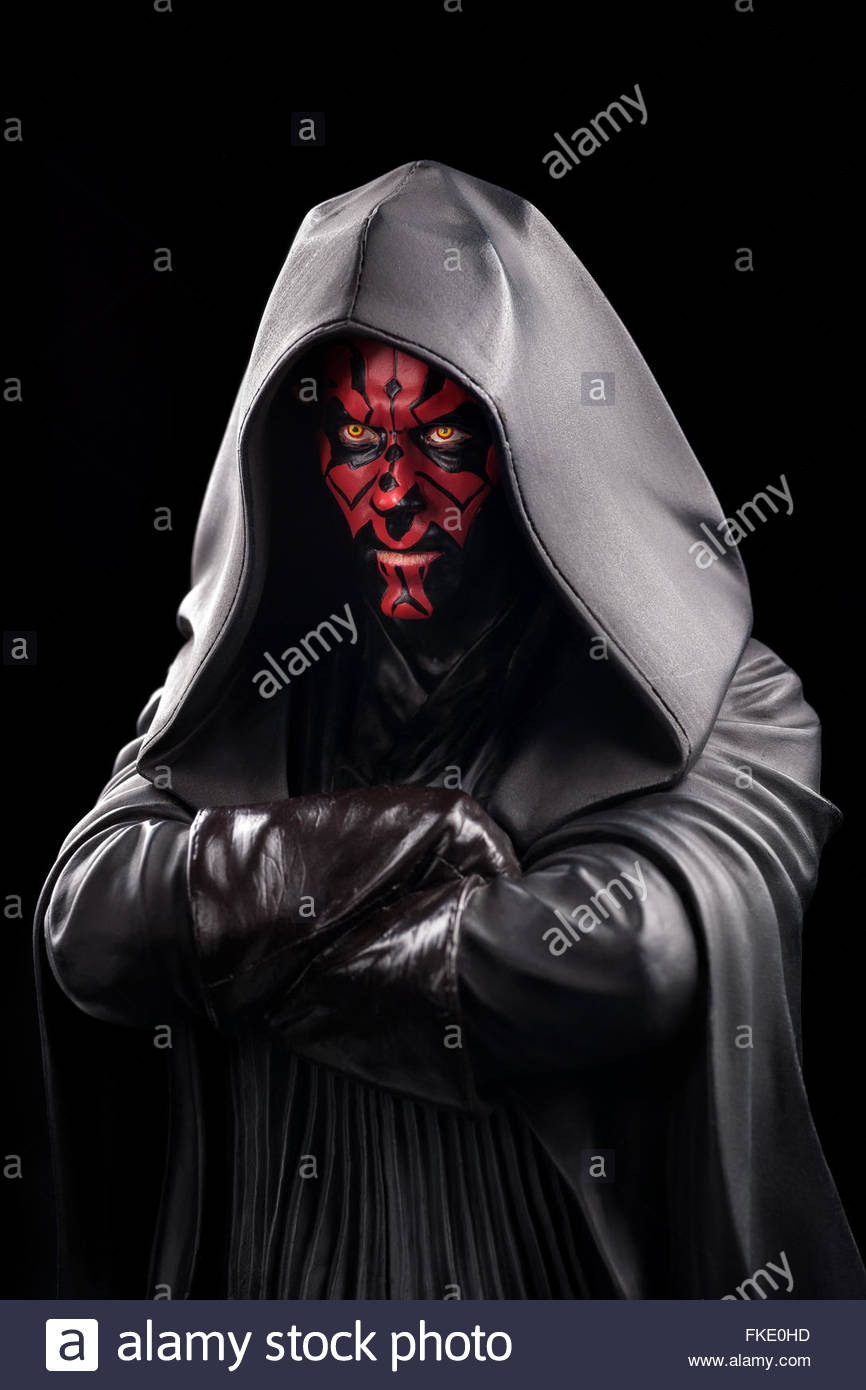 star-wars-darth-maul-limited-edition-bust-by-gentle-giant-studios-FKE0HD.jpg