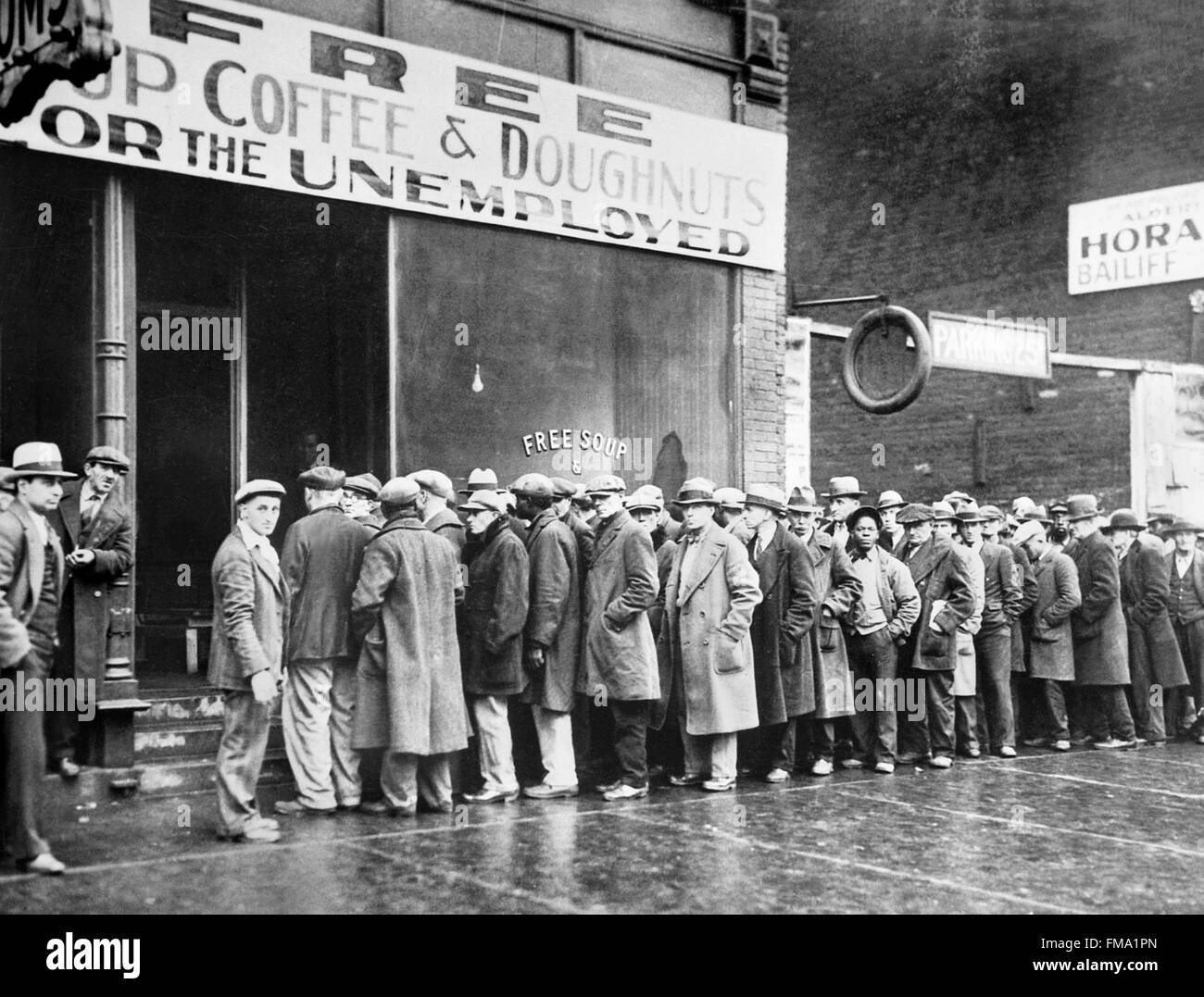 Amazing Unemployed Men Lining Up Outside A Soup Kitchen In Chicago During The Great  Depression, Feb 1931 Awesome Ideas