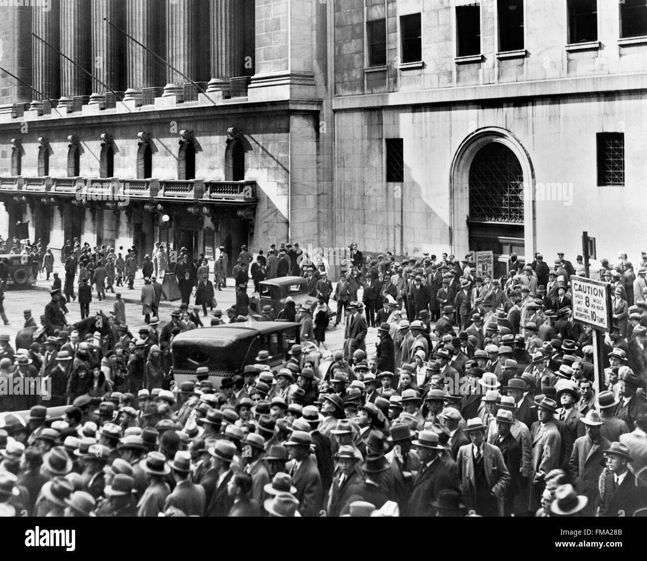 the streets of the new york stock The new york stock exchange was completed in 1903 and designed by george b post, a prolific architect at the turn of the 20th century sadly, a large number of his buildings have been demolished.