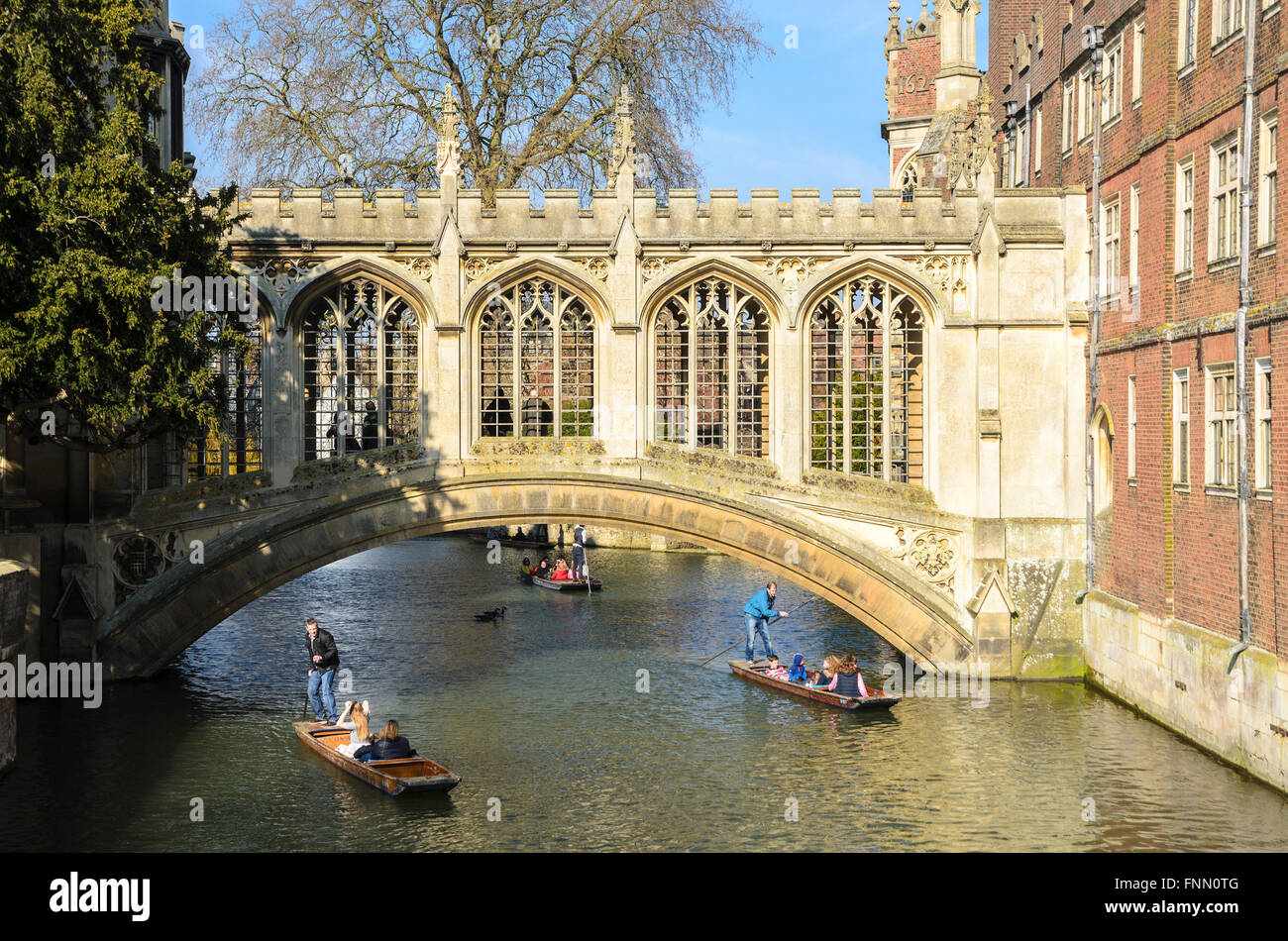 The bridge commonly known as the 'Bridge of Sighs' over the River Cam, St Johns College, Cambridge, England, - Stock Image