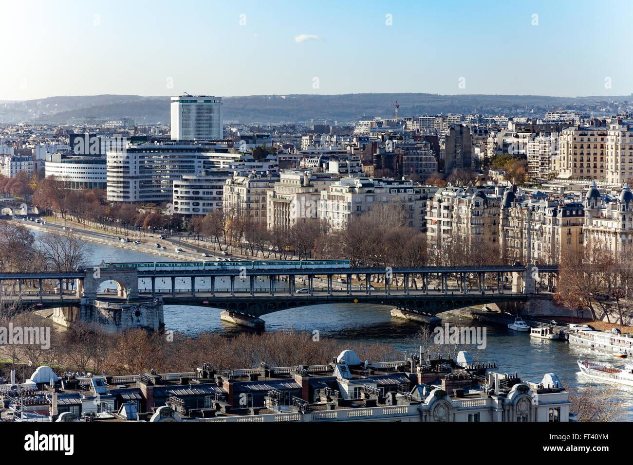 Parisian subway bridge over Seine river - Stock Image