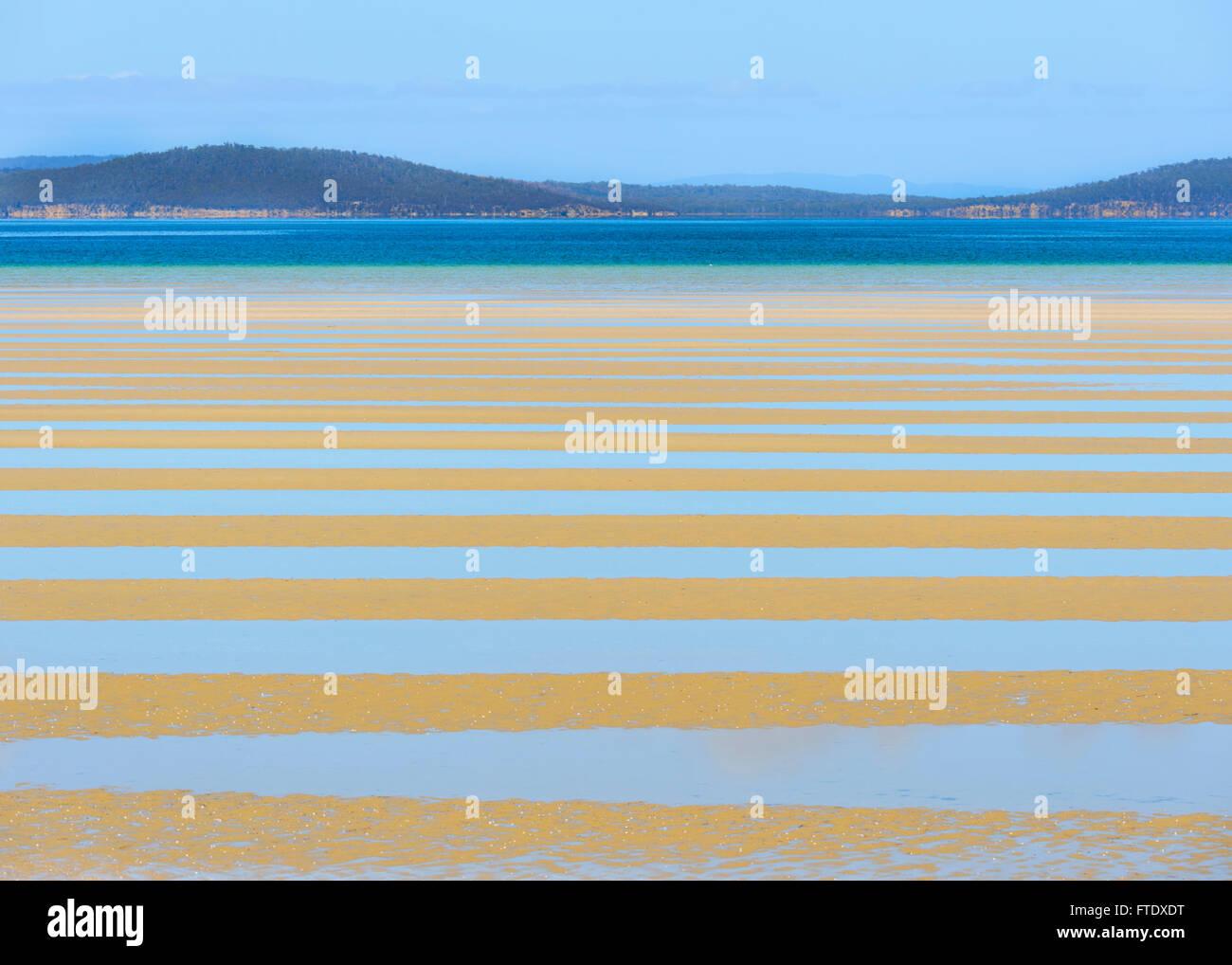 low-tide-near-sorrell-tasman-peninsula-tasmania-australia-FTDXDT.jpg