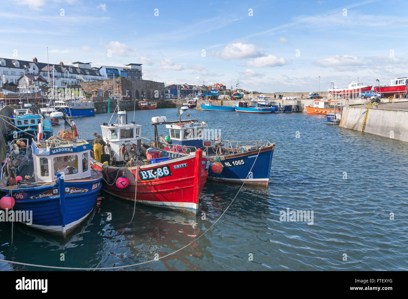 fishing-boats-moored-in-north-sunderland