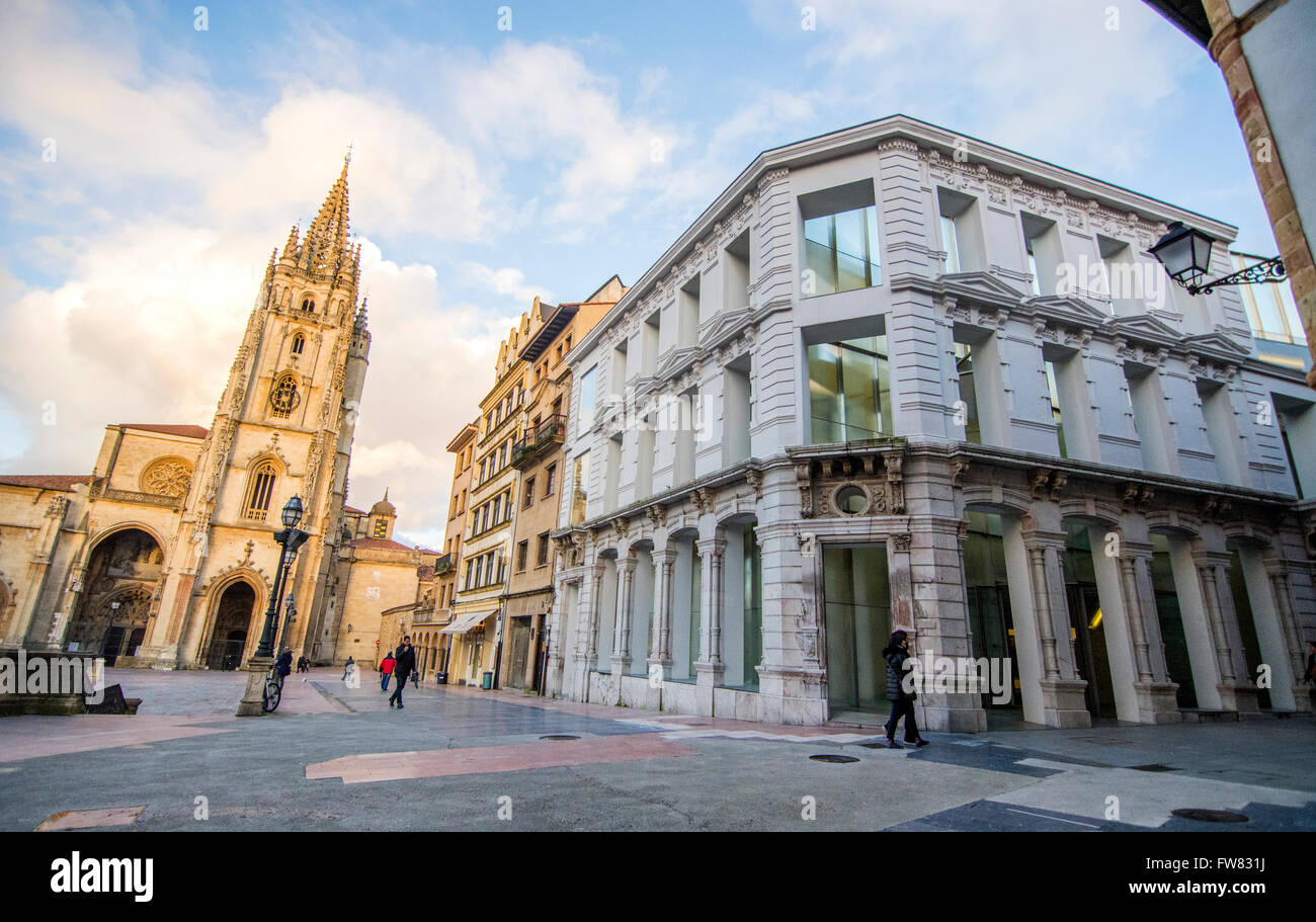 Oviedo, Spain. 31st March, 2016. Outside of the museum during the reopening of Museum of Fine Arts of Asturias on - Stock Image