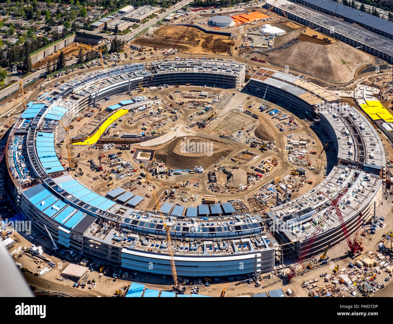 apple cupertino office. New Apple Campus II, Aerial, Computer Under Construction In Cupertino, Silicon Valley, California, Round Cupertino Office