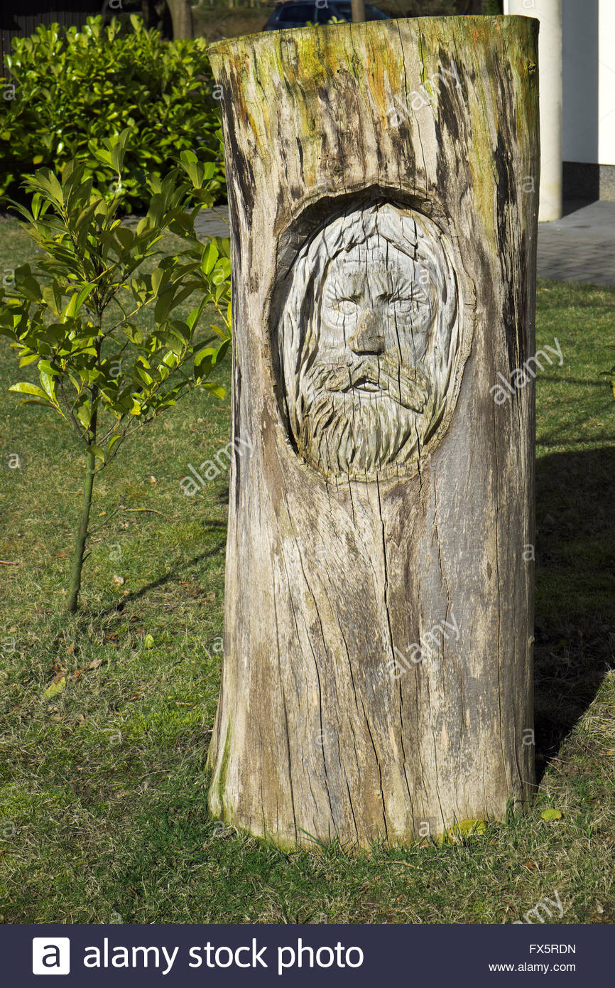 Wood Sculpture By Horst Nebel At The Haus Am See   Seestern, By The Shore