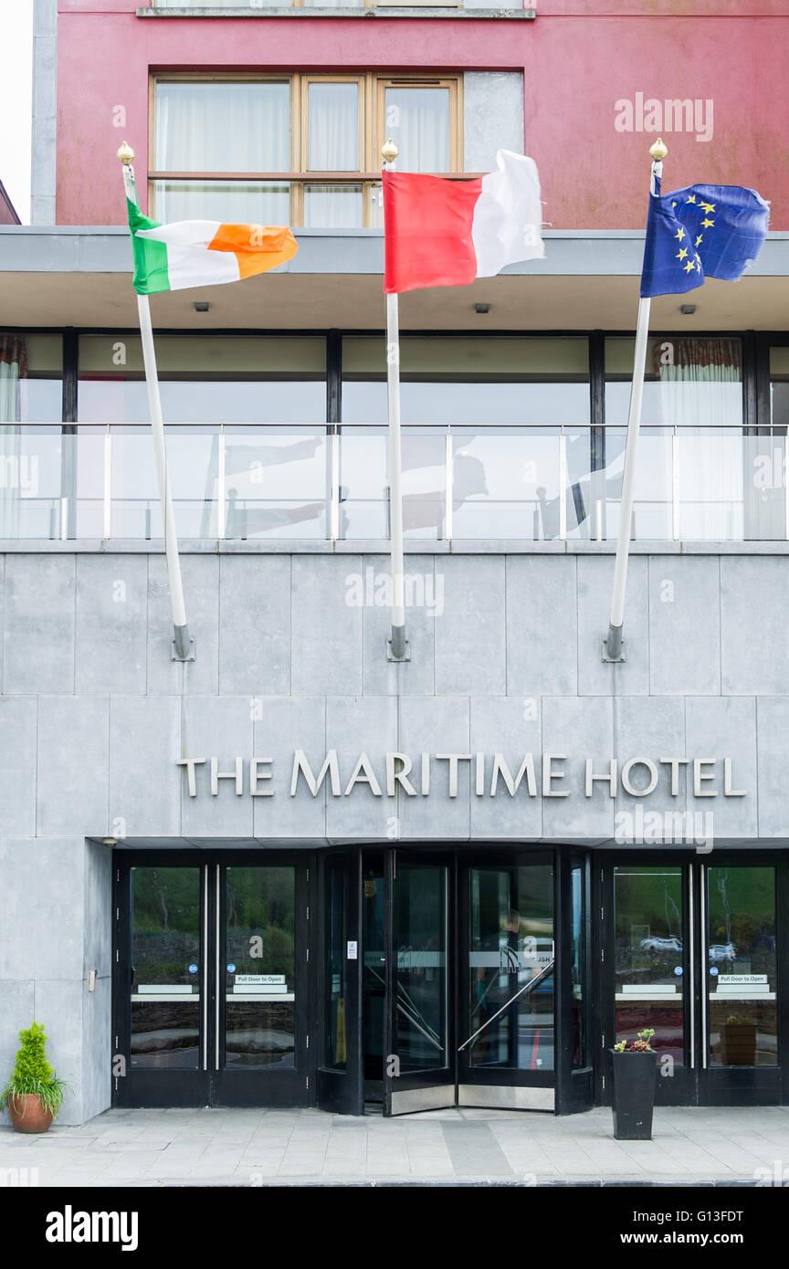 entrance-to-the-maritime-hotel-bantry-west-cork-ireland-G13FDT.jpg