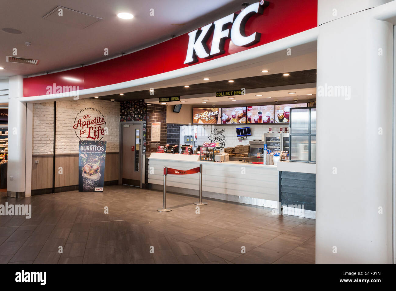 Kentucky Fried Chicken restaurant at a motorway service station. Cobham, Surrey, UK. Stock Photo